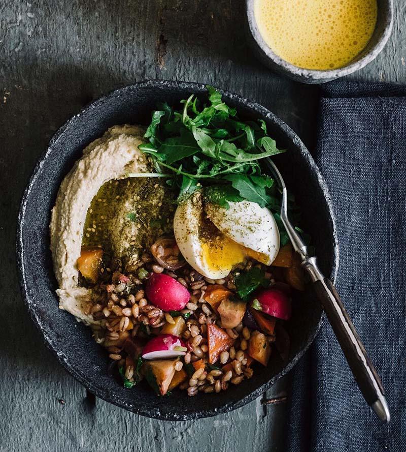 Обед-боул с овощами и яйцами