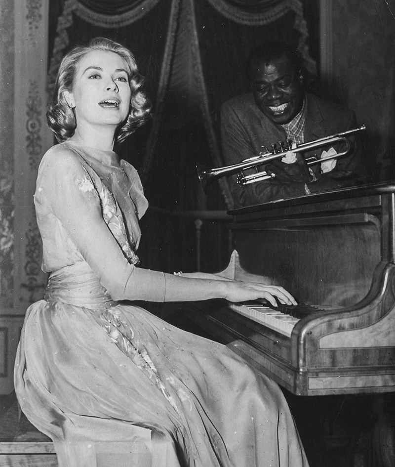 Grace Kelly au piano
