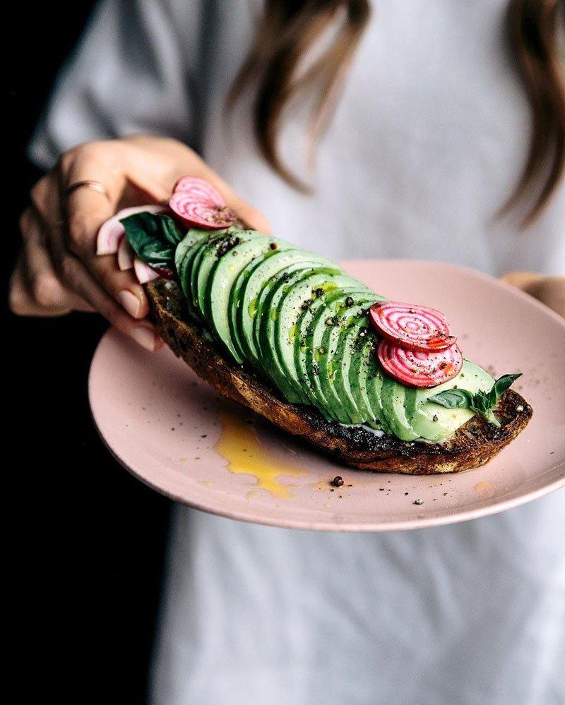 рыба и авокадо — психобиотики, помогающие снижать стресс